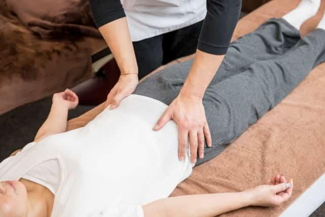 身体全体のバランスを整える施術で症状を改善します