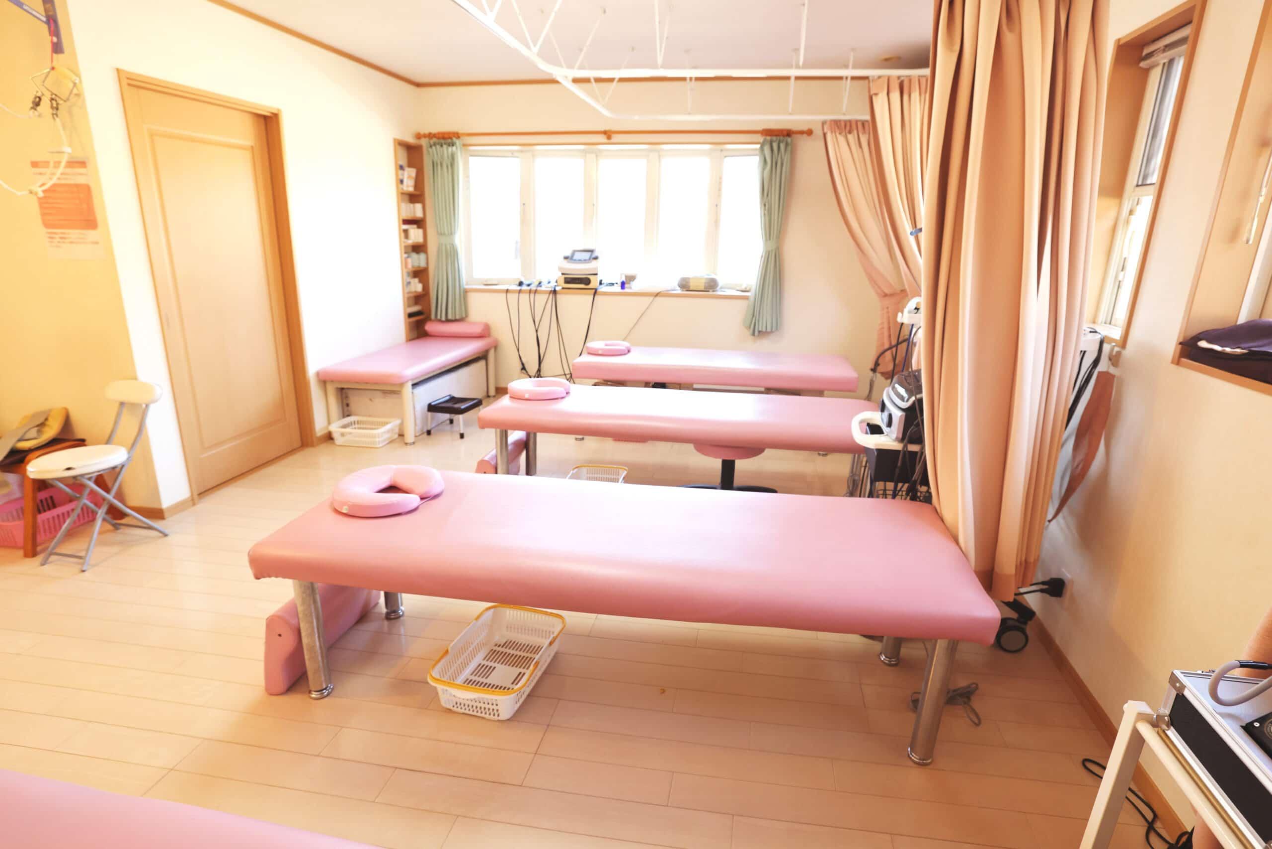 亞利の整骨院の綺麗な施術室