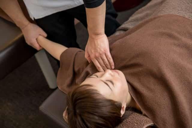 身体への負担が少ない優しい施術で症状を改善します